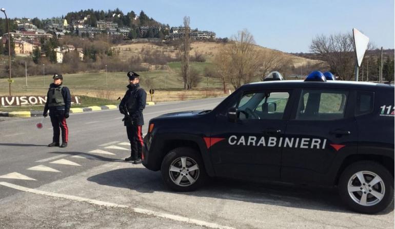 Coronavirus, plauso dei cittadini ai Carabinieri di Castel di Sangro