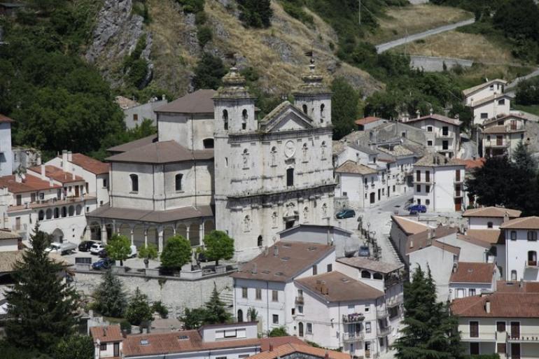 Coronavirus, a Castel di Sangro si incrementa il numero dei casi sospetti