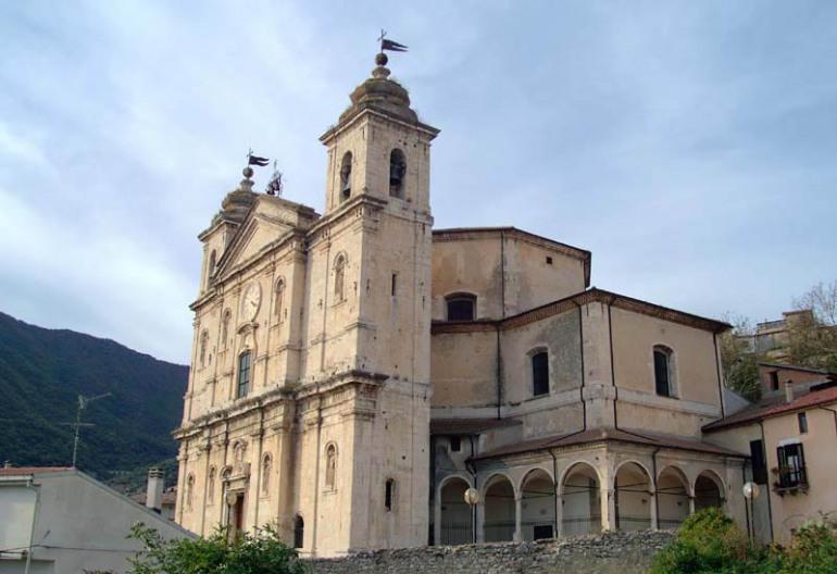 Esclusivo – Castel di Sangro, diretta streaming Triduo Pasquale dalla Basilica di Santa Maria Assunta