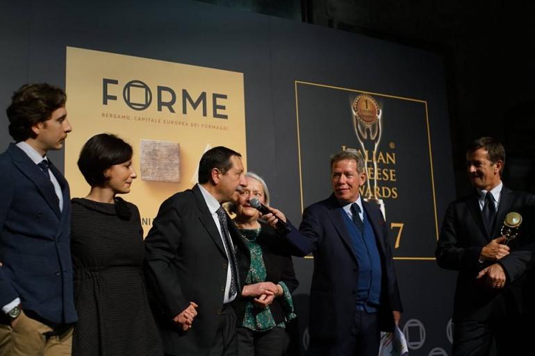 Bergamo, la stracciata del caseificio Di Nucci primeggia all'italian cheese awards