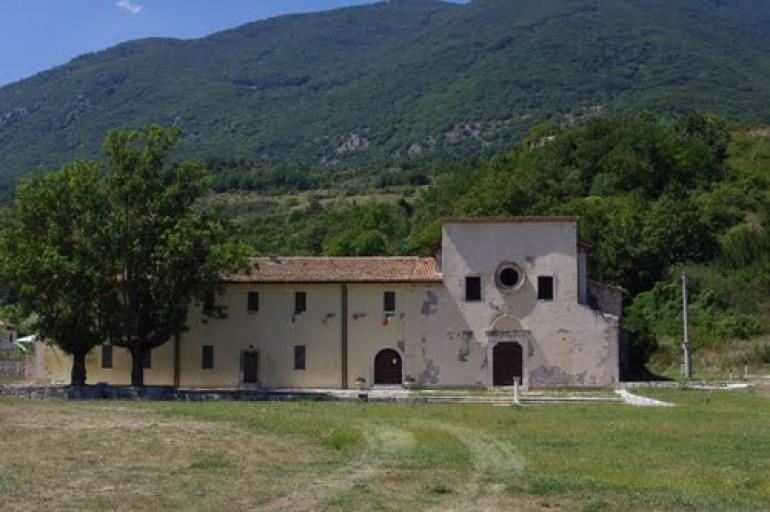 """Tè letterario a Castel di Sangro, si presenta 'Tutto l'azzurro del mondo"""" di Miranda D'Amico"""