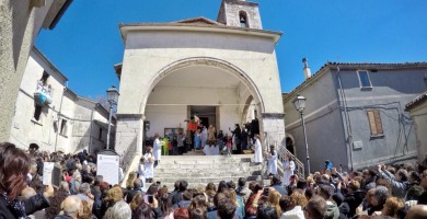 """Pasquetta al borgo di Fornelli con la """"discesa dell'angelo"""""""