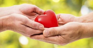 """Donazione organi: dona il rene al figlio a 78 anni """"sensibilizzare la popolazione"""""""