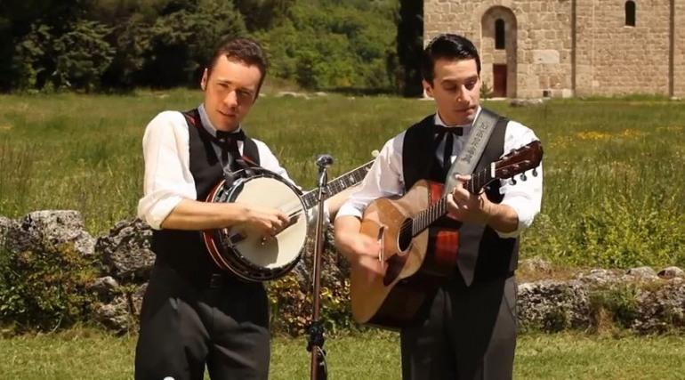"""Musica, a ritmo di """"Bluegrass"""" Ciavone e Rocchio presentano il primo videoclip"""
