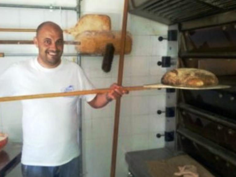 A Belmonte riapre il forno ed il negozio di generi alimentari