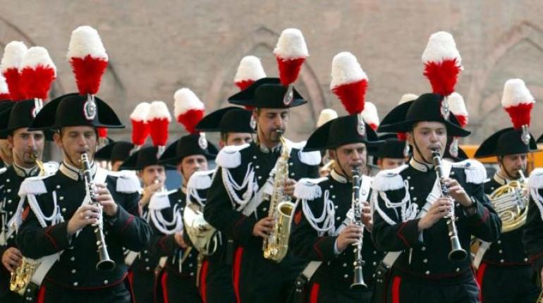 Isernia, la fanfara dei carabinieri alla festa dei santi Cosma e Damiano
