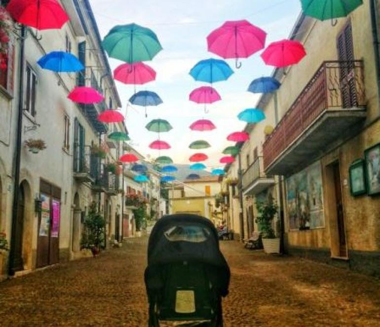 Festival dei giochi antichi a Scontrone: si comincia in ricordo delle vittime di Genova
