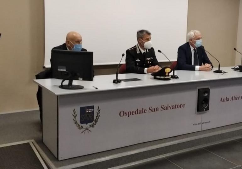 Prenotazione vaccino, compilazione della domanda dai Carabinieri per gli over 70