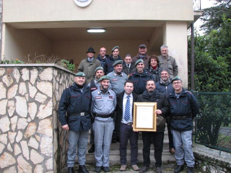 Roccamandolfi consegna la cittadinanza onoraria al Corpo Forestale