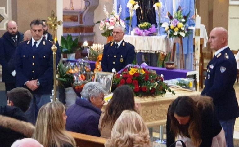 Agnone tributa l'ultimo saluto a Enrico Marinelli: l'angelo custode di papa Giovanni Paolo II