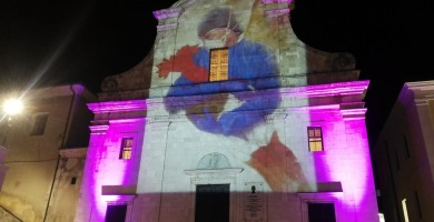 Giornata internazionale dell'infermiere, la chiesa S. Giovanni Battista si illumina a Castel di Sangro