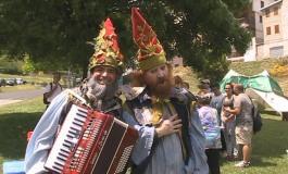 Apre il sipario la festa nazionale degli Gnomi. Invasione di bambini a Roccaraso