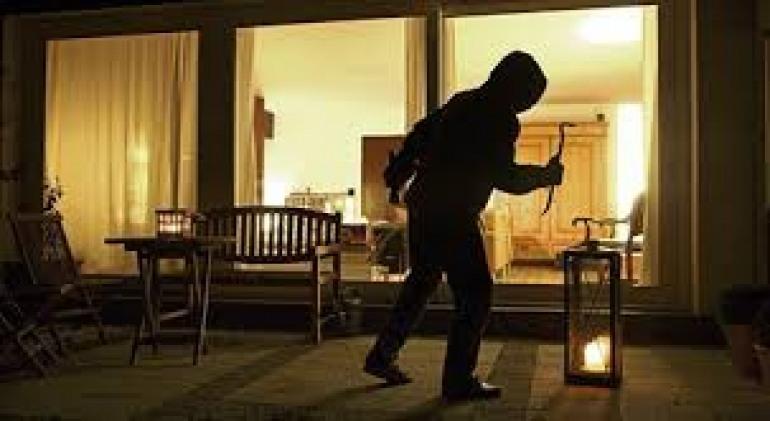 I ladri tornano in Altosangro: come proteggersi dai furti in casa?