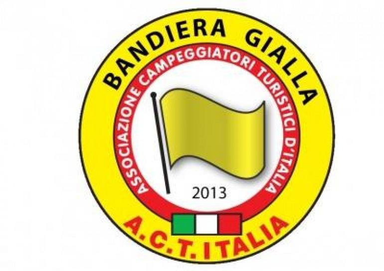Agnone sventola la bandiera gialla: riconoscimento nazionale club camperisti e campeggiatori