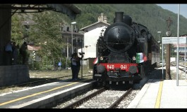 """Roccaraso, in 2000 alla stazione ad aspettare il treno storico """"Sulmona-Isernia"""""""