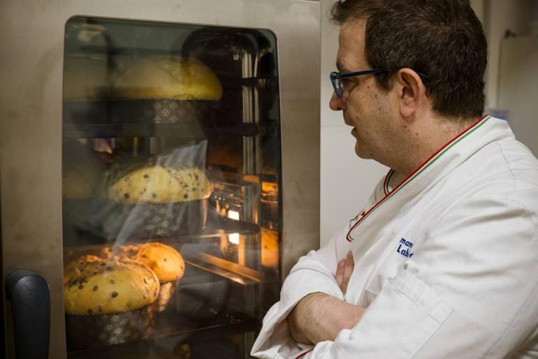Germano Labbate protagonista a Rimini dello show-cooking con il 'panettone alla mela zitella'
