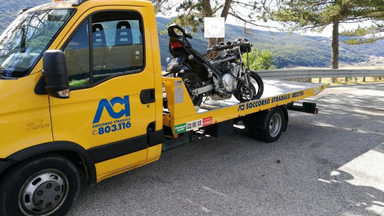 Incidente sul Piano delle Cinquemiglia: trasportato in elisoccorso motociclista di Castel di Sangro