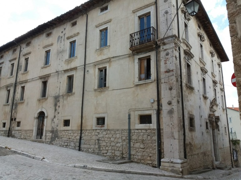 Pescocostanzo, palazzo Colecchi diventa sede universitaria: siglato accordo a L'Aquila