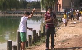 Trofeo Pierini, baby pescatori invadono il laghetto di Castel di Sangro