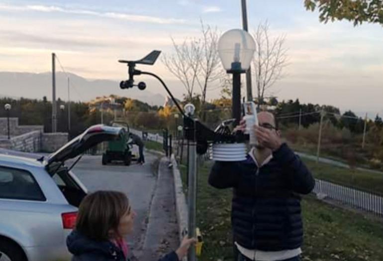 Pescopennataro installa la stazione meteo
