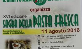 """Turisti in fermento per la """"sagra della pasta fresca"""" a Pietransieri"""
