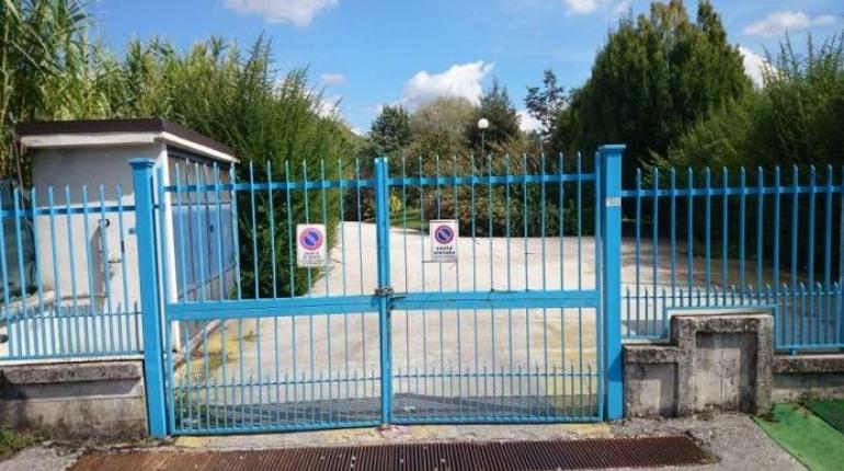 Isernia, la piscina comunale rimane chiusa altri sei mesi