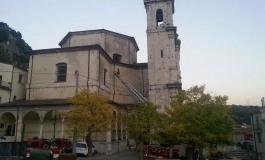 Vigili del fuoco in azione: pericolo api in Chiesa