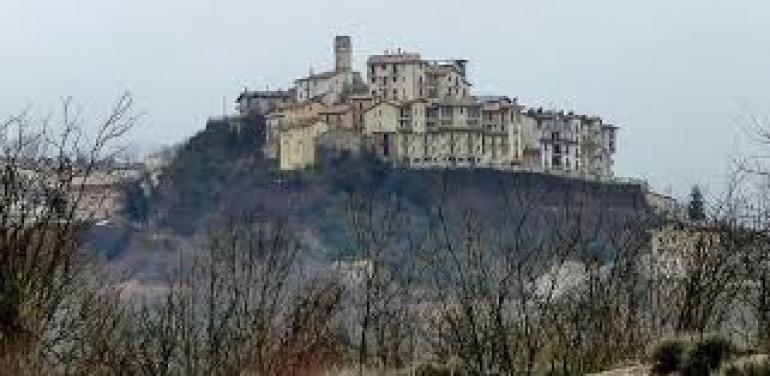 Roccacinquemiglia, dietro-front per i profughi? La Polizia municipale ispeziona i nuclei abitativi