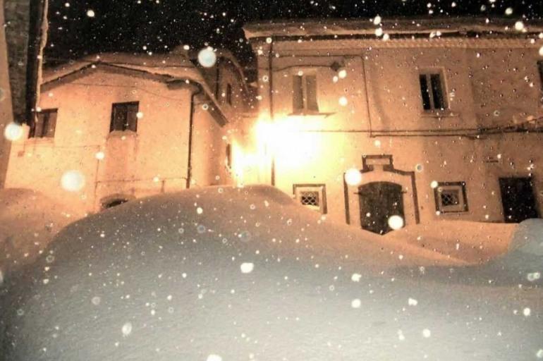 Nevicata 2012, la regione Molise ancora non risarcisce i comuni e Roccamandolfi anticipa ai privati