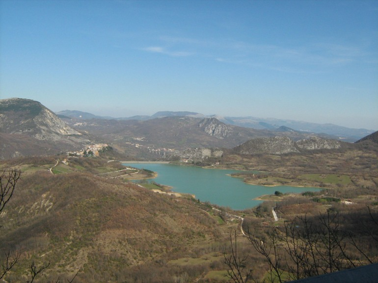 Castel San Vincenzo spalanca l'accoglienza ai turisti, è il borgo più frequentato dell'Alta Valle del Volturno