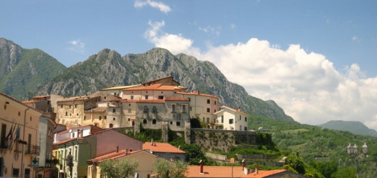 Scapoli, inaugurazione: dedicato ad Aldo Moro il museo storico del Corpo italiano di liberazione