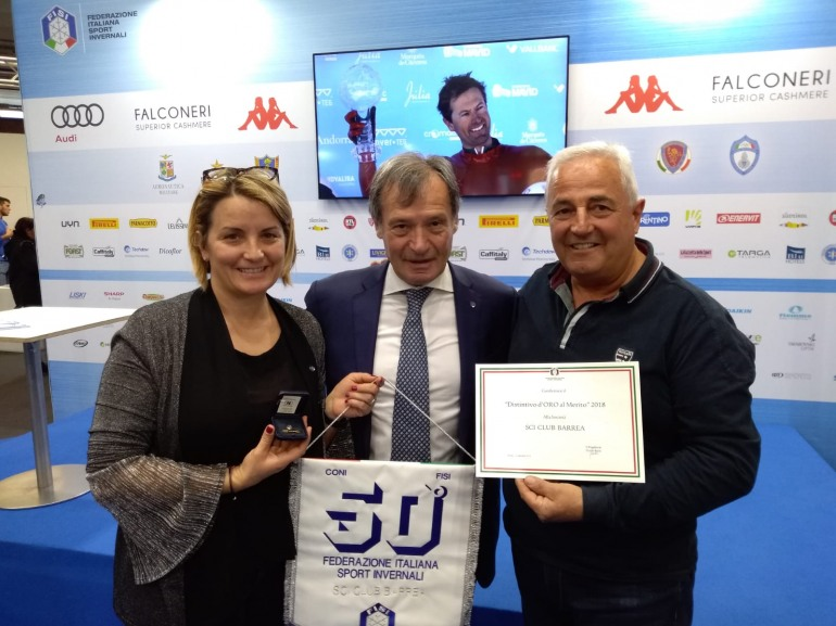 Modena – Skipass, premiato lo sci club Barrea per 50 anni di attività sportiva
