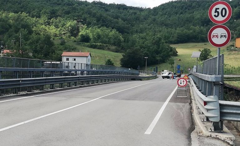 Paralisi traffico SS 158, protestano gli automobilisti: grave ritardo dei tecnici