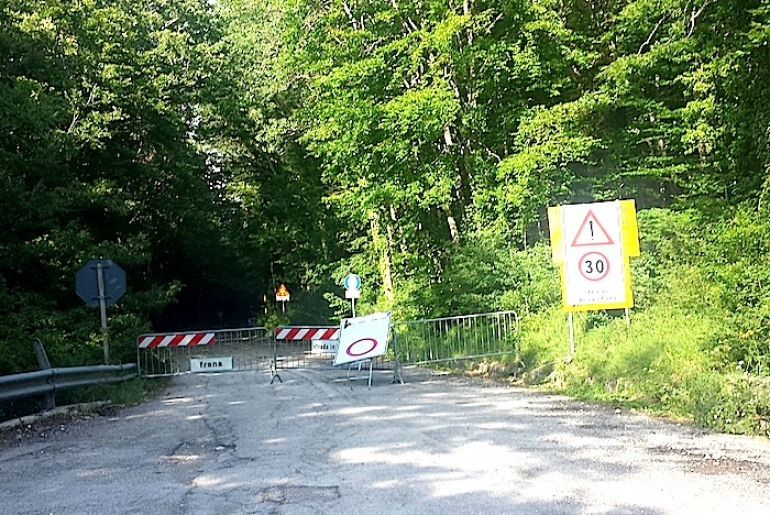 Strada 'del bosco' chiusa: protesta dei sindaci di Gamberale e Pizzoferrato