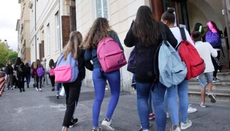 Tamponi rapidi ad Ateleta, il Sindaco Passalacqua chiude le scuole per covid