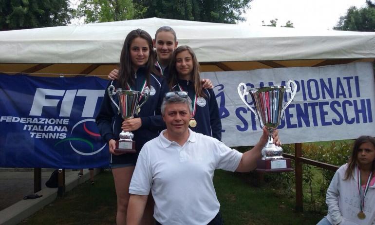 Tennis, Castel di Sangro sugli scudi: Caruso, Gasbarro e D'Aloisio vincono i campionati nazionali studenteschi