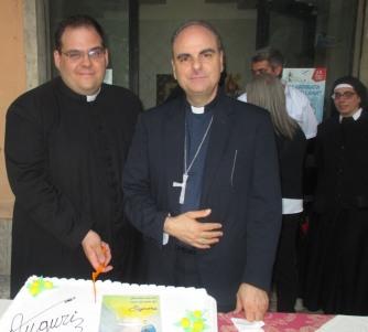 Il Vescovo Fusco consegna la terza parrocchia a Don Franceschelli