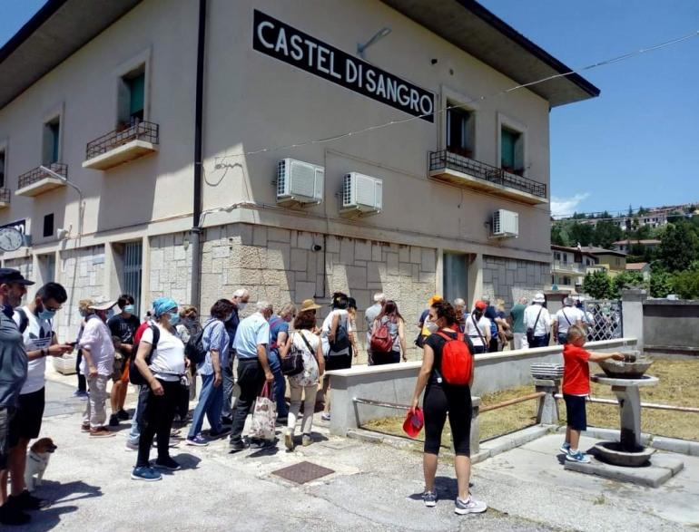 Transiberiana d'Italia a Castel di Sangro, 560 turisti a bordo del treno storico
