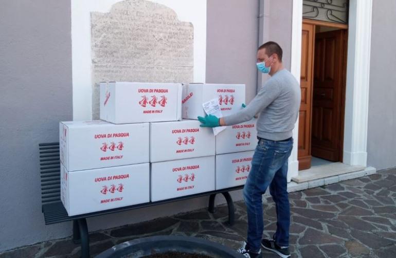 Ateleta, il sindaco Donatelli fa distribuire 2 uova di Pasqua ad ogni bambino